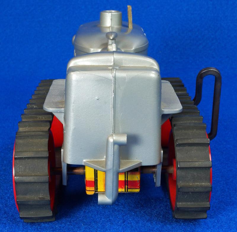 RD9481 Vintage Marx Toy Diesel Tractor Wind Up DSC06247