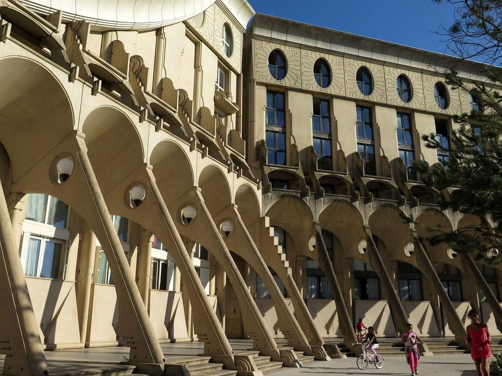 Noisy Le Grand Architecture les arènes de picasso (1985)manuel núñez yanowsky in n