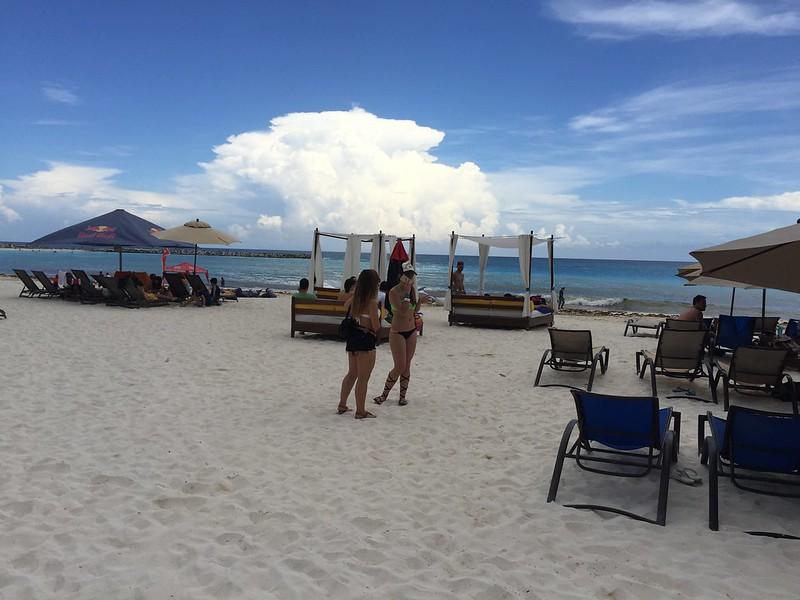 Un poco nublado en Cancún