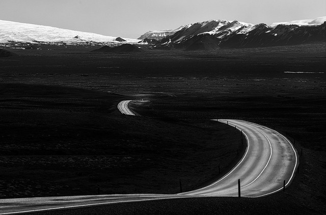 Through Pingvallavegur - Thingvellir