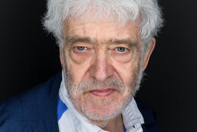 Portrait by Simon Ellingworth