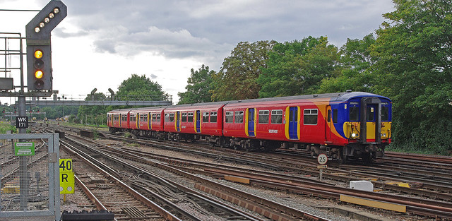 RD12125.  South West Trains 455 Class EMU 455 916 arriving at Woking from Guildford.