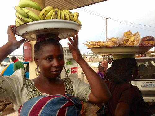 africa people photography culture photojournalism banana nigeria plantainchips africanculture streethawking ayotunde ondostate jujufilms jujufilmstv nigerianstreetauthor roadsidehawking