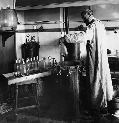 Louis_Pasteur_experiment | by jbrookston