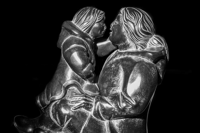 Sculpture Inuit - Mère et enfant