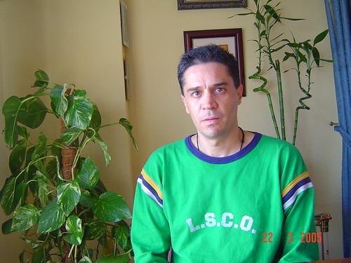 Javier con plantas