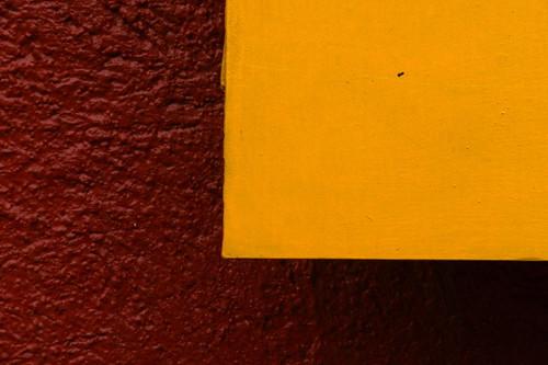 minimalismo amarillo