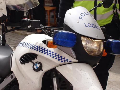 Semana Santa. Moto de la policía.
