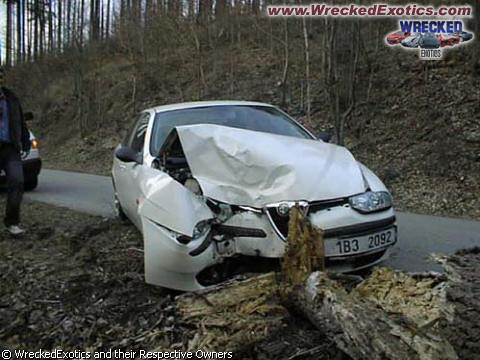Alfa Romeo 156 Real-Crash | Damage: Front | Chandra Goenadi | Flickr