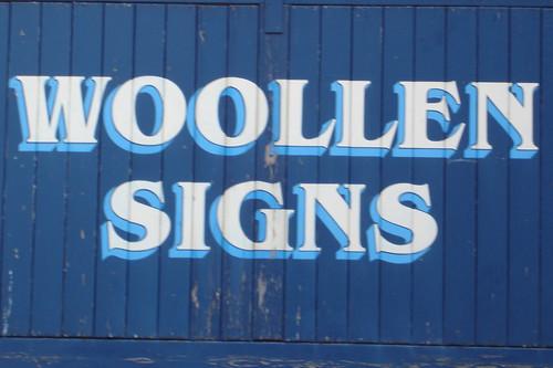 woollen signes?