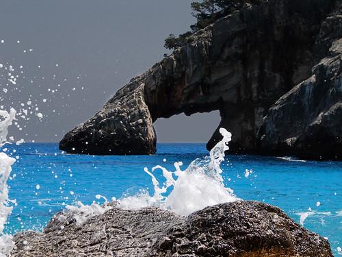 Spray round the arch   by LucaPicciau