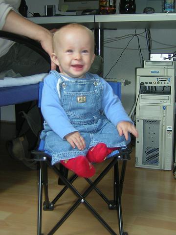 Campingstuhl Baby.Luca Auf Dem Baby Campingstuhl Den Hat Er Vom Opa Franz Ge