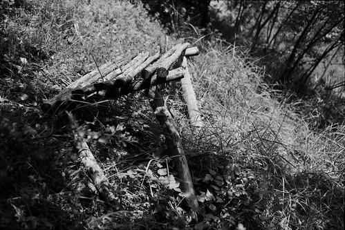 bench kentmere 100 d76 stock reused 20c praktica mtl5 flektogon k2 pf7250u 3600dpi 35mm photography negative scanned yellow filter filmscan bw scan film 105min