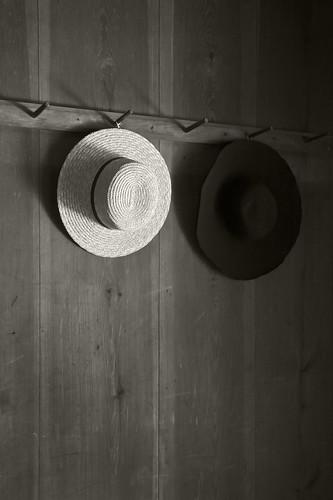 bw white black hat ga georgia blackwhite rest travelers traveler toccoa
