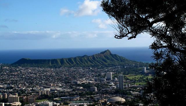 Diamond Head from Tantalus, Honolulu Hawaii  ≡  Eric Tessmer, Molokai, Hawaii