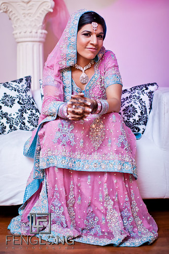 wedding portrait canon georgia 50mm prime bride indian desi pakistani buford indianwedding canonef50mmf12l 5dmarkii zacharylong fenglongphotocom fenglongphotography bettyfeng 5thaveeventhall