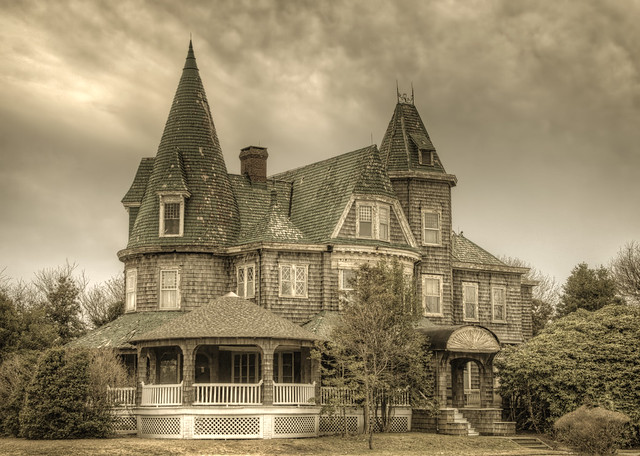 Corner house - Spring Lake,NJ.