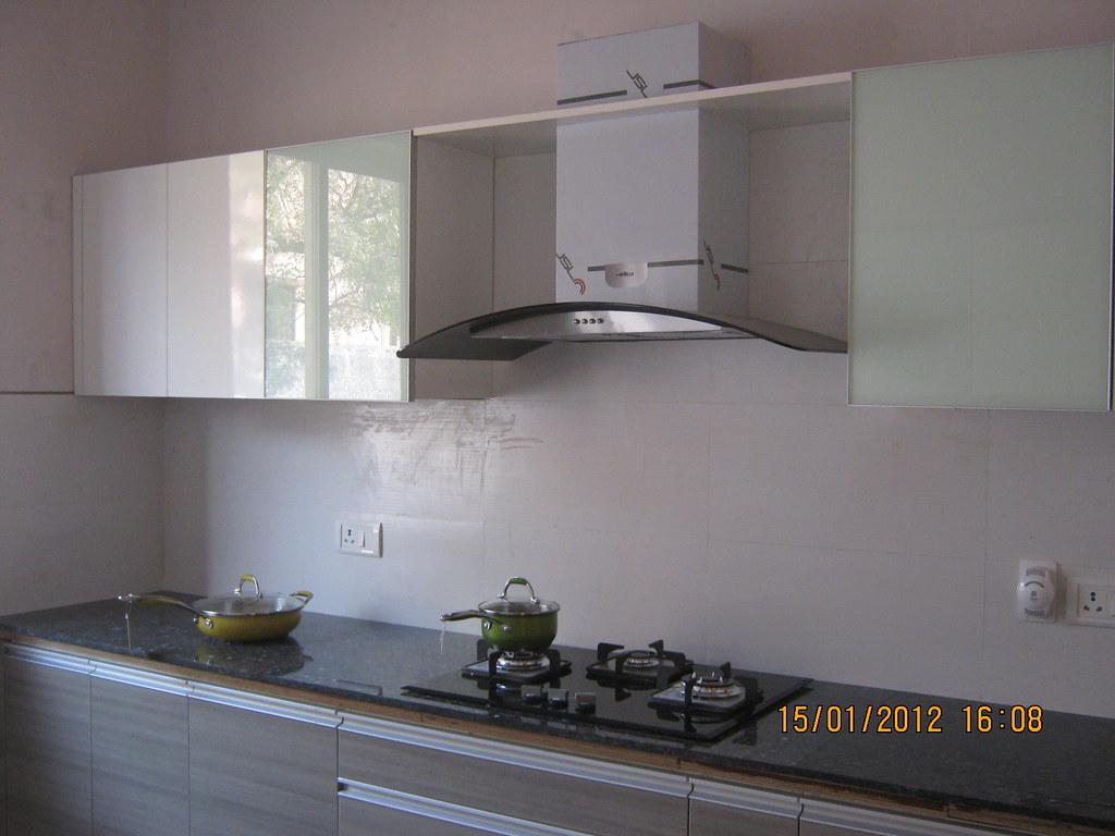 Charmant Modular Kitchen With Hub, Chimney U0026 Sink   Show Flat Of Pi ...
