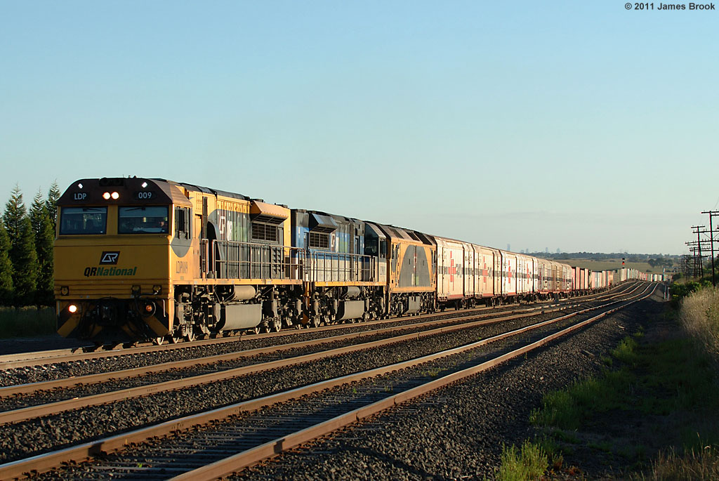 LDP009, LDP003 and G534 with 2MB7 QR National freight by James Brook