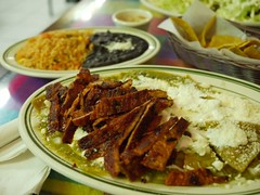 日, 2011-12-04 17:41 - Chilaquiles + enchilada、豆とご飯