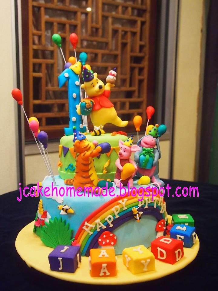 Astounding Winnie The Pooh Birthday Cake Happy 1St Birthday Jayden T Flickr Funny Birthday Cards Online Necthendildamsfinfo