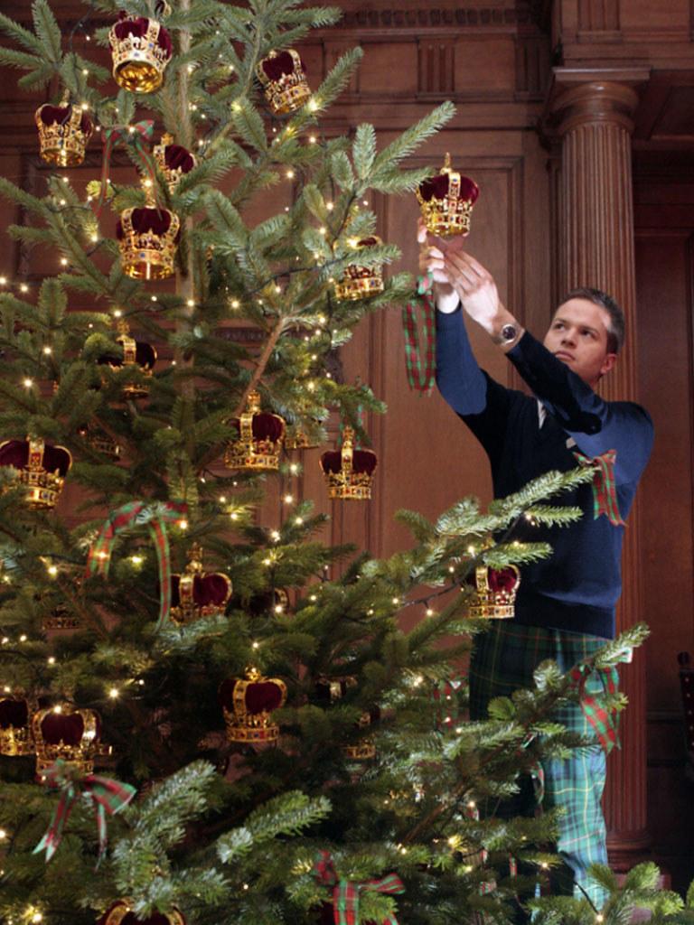 Christmas Palace.Christmas Tree At The Palace Of Holyroodhouse The Palace O