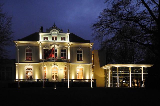 Onthulling lichtontwerp Airborne Museum 'Hartenstein'