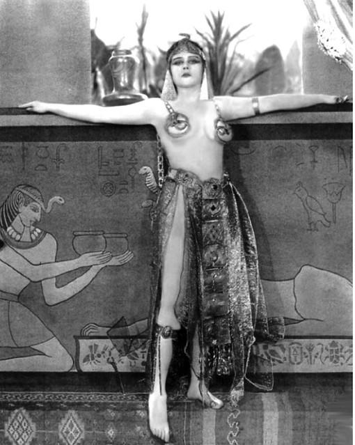 Theda Bara; 1917 silent vamp
