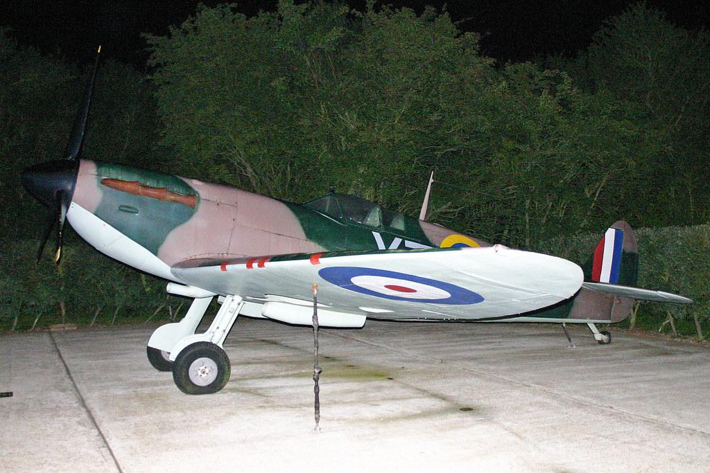 FSM Supermarine Spitfire I 'R6775 / YT-J' (BAPC299)