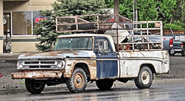 '70s Dodge Power Wagon