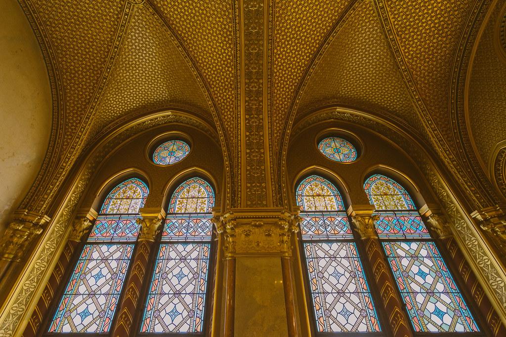 匈牙利國會大廈 - 黃金檯階