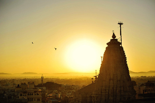 india sunrise landscape temple dawn golden rajasthan udaipur morningsun 印度 jagdishtemple xuesongliao