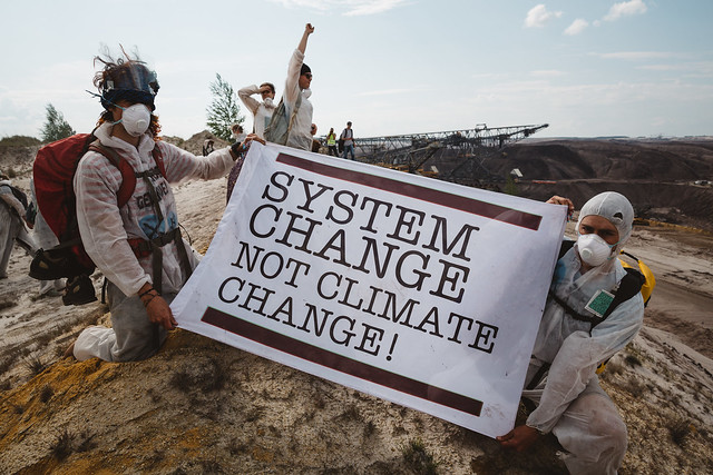 Ende Gelände: Day 1 - Climate activists shut down one of Europe's largest opencast lignite mines