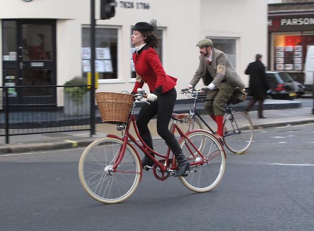 Tweed Run NovC 2011 (3)