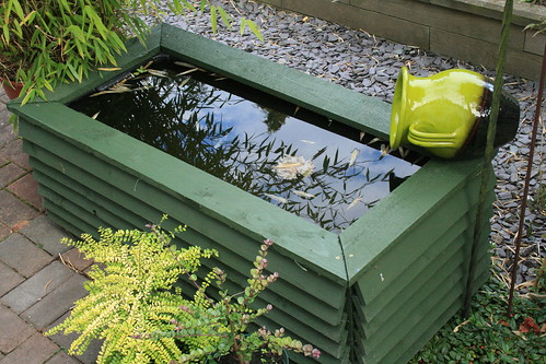 recycled garden water feature | by h080