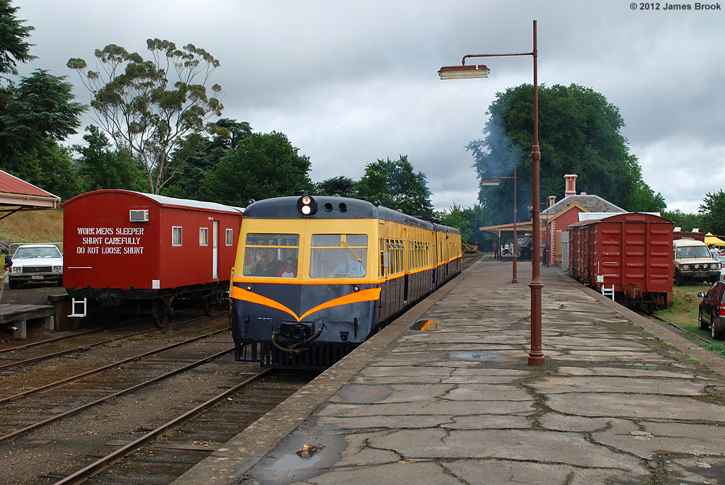 91RM departing Daylesford by James Brook