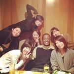 カルミン、両手に花束、なぅ~!!ww #tokyo #japan #shinjuku #izakaya #party #all_together_now #see_my_friends #from_canada #canadian