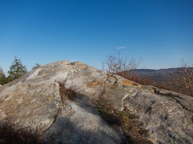 0:19:14 (32%): hiking newhampshire meriden frenchsledges