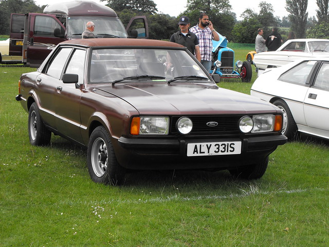 Ford Cortina - ALY 331S