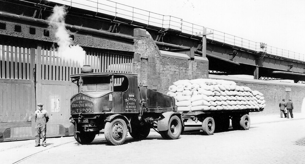 Liverpool dock road and Overhead Railway - video link