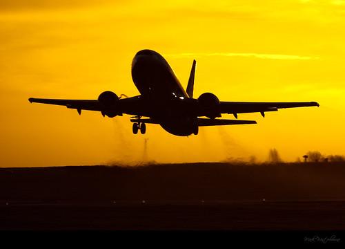ryanair leedsbradfordairport boeing737 aircraftspotting jet2com lbaegnm aircraftaviationaeroplaneairlinejet yeadonleedswestyorkshire markwinterbournephotographycanoneosbradfordwestyorkshireunitedkingdomleedsyeadon markwinterbournephotographycanoneosbradfordwestyorkshire