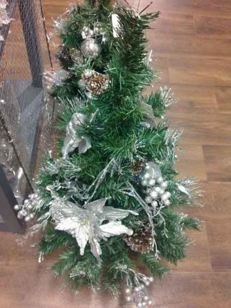 Árbol de navidad pequeño decorado
