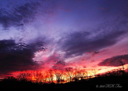 clouds sunrise redsky easternkentucky kentuckysunrise