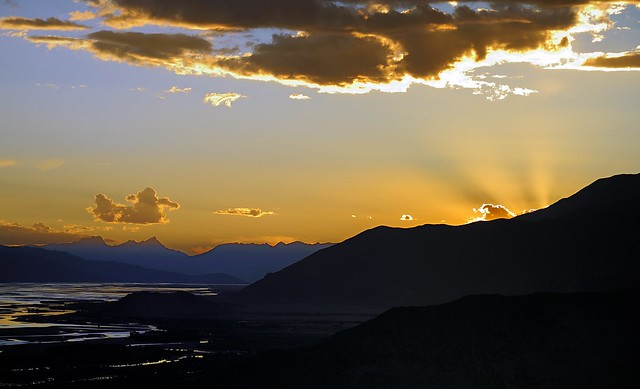 Sunset with Crepuscular rays at Yarlung Tsangpo Valley and River, Tibet