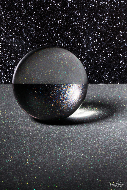 Nevena Uzurov - Crystal globe