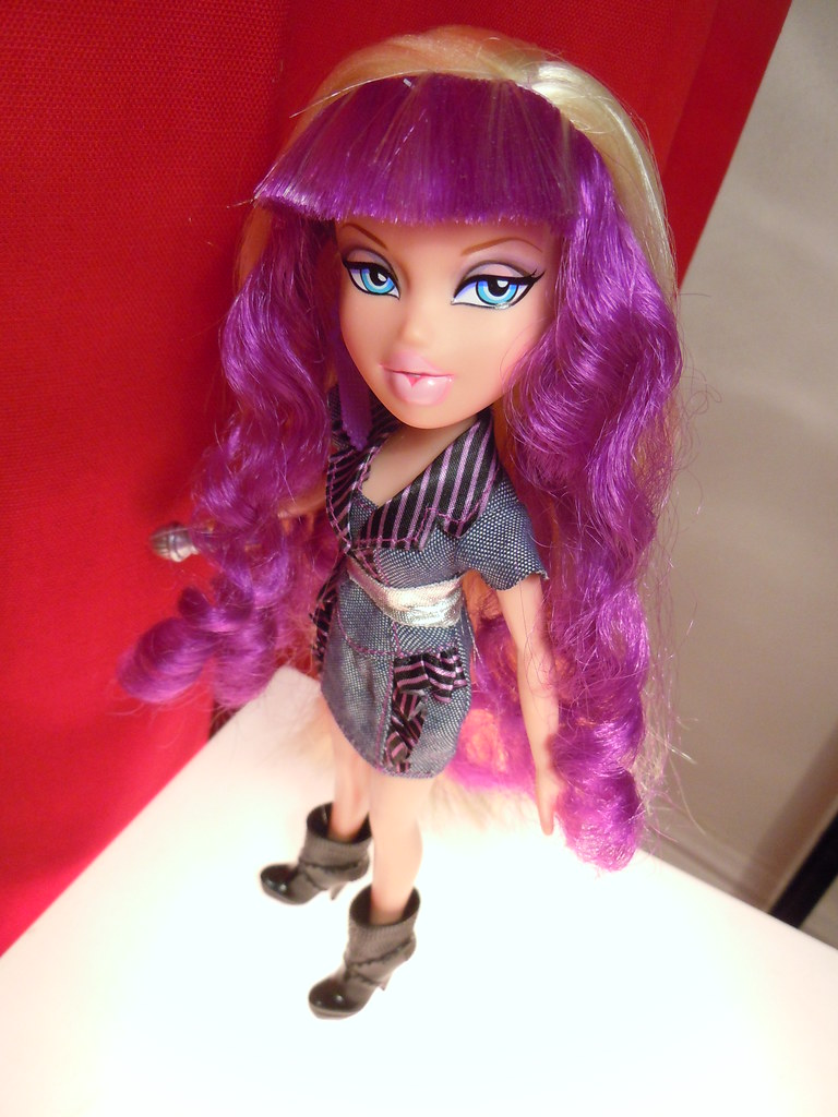 How many My Little Pony dolls did it take to make that st