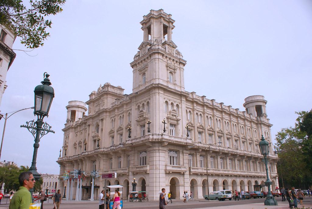 Antiguo centro Asturiano de la Habana, hoy Museo de Bellas Artes