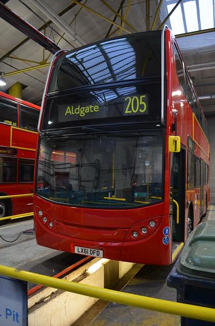 Stagecoach London Alexander Dennis Enviro 400 Hybrid - LX61 DFD