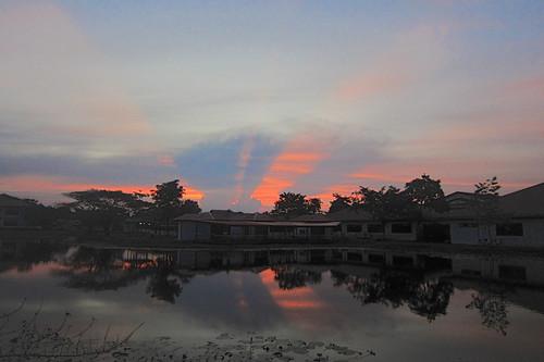 sunset ixus kuching