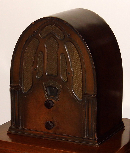 Vintage Crosley Fiver Cathedral Radio, Model 148, Broadcast Band Only, 5 Vacuum Tubes, Wood Cabinet, Made In USA, Circa 1932
